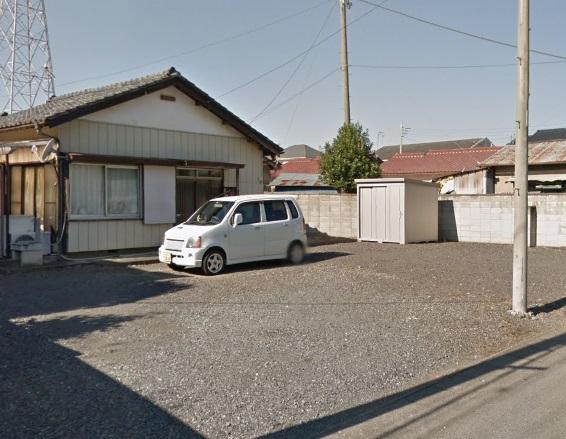 中古戸建 3DKです。人気の瓦葺平屋建です。駐車スペースも5台可能です。とっても広々です。