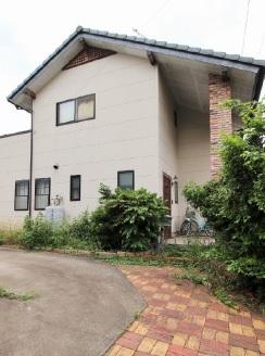 中古戸建 赤堀鹿島町 コンビニなど近く便利な立地。閑静な住宅地。